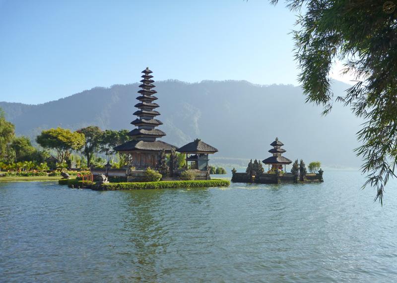 Temple Pura Ulun Danu lac Batran