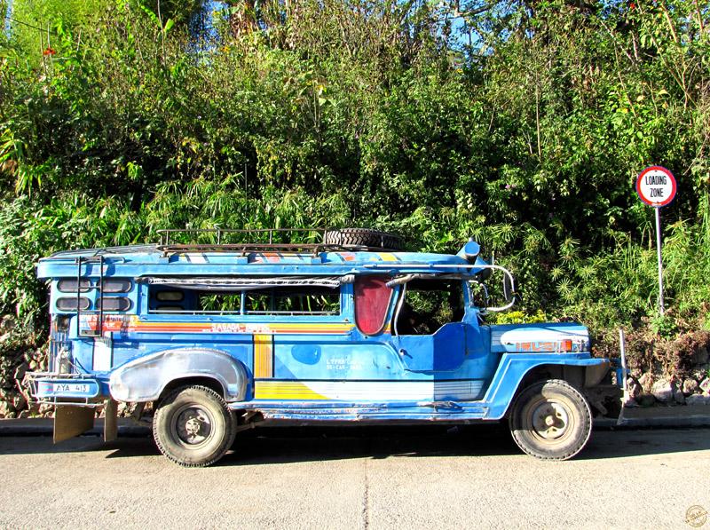 Jeepney sur les routes